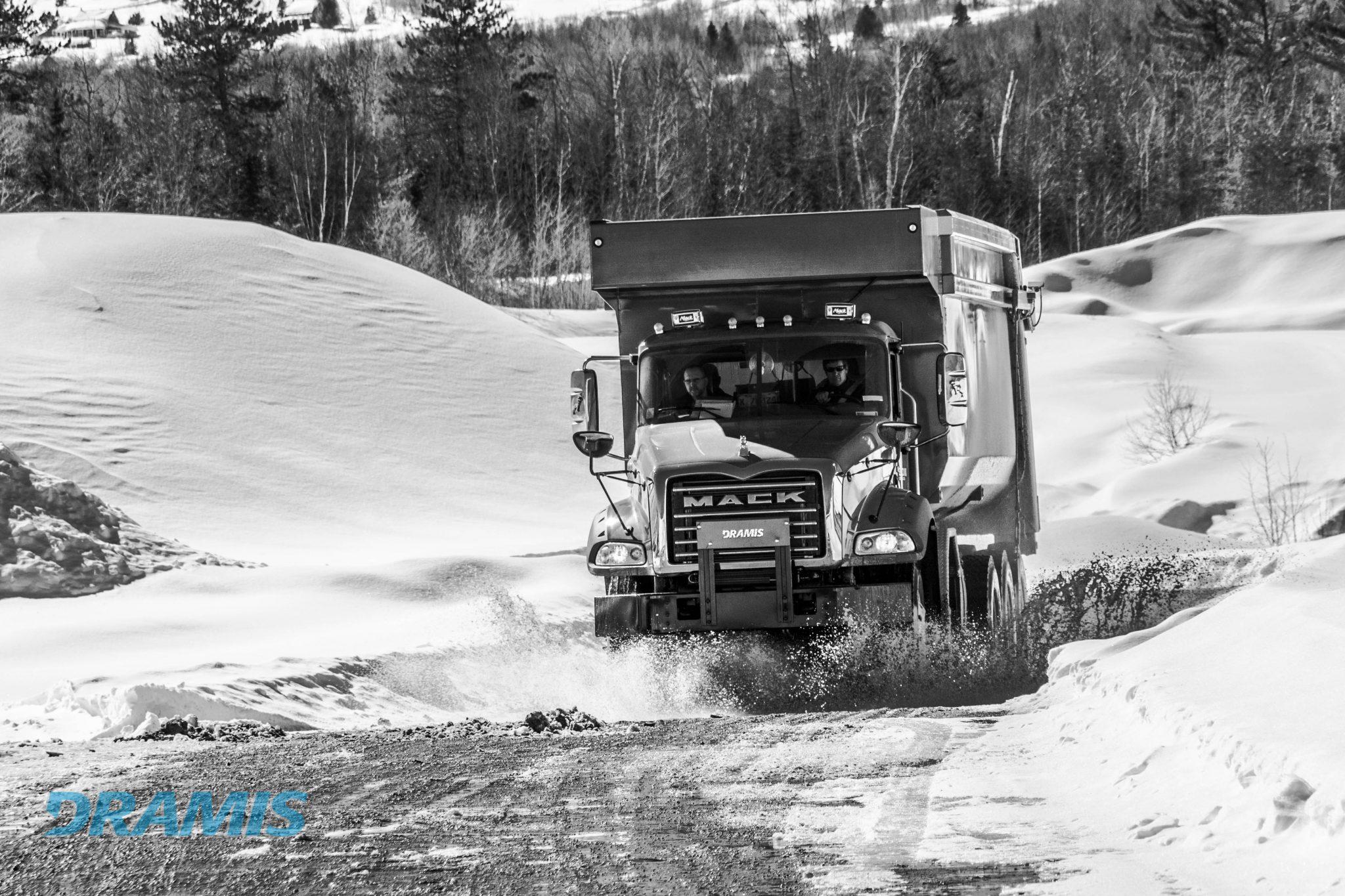 Dramis D55T Mack Granite dump Truck Excon Construccion
